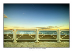 Los colores del amanecer (Ariasgonzalo) Tags: paisajes beach landscapes seascapes asturias colores salinas amanecer thesea elmar hdr playas paseos alemdagqualityonlyclub oltusfotos