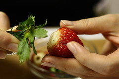 イチゴのヘタ取り器