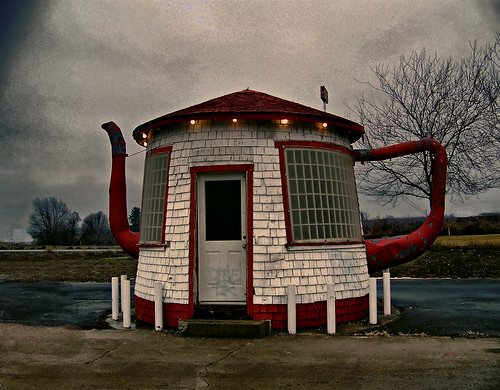 teapot gas station 1