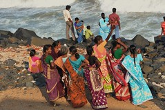 the mistery of the sea (marinfinito) Tags: sea india beach pondicherry southindia indianwomen indianpeople frenchcolony theunforgettablepictures