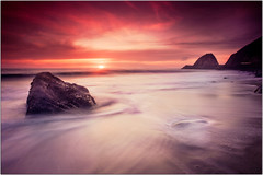 Last American Sunset (Extra Medium) Tags: ocean california sunset beach clouds airplane yes malibu pch filters camarillo huh cokin iamseriousanddontcallmeshirley ptmugu huhwhat ptmugurock rogerover noivebeennervouslotsoftimes doyoulikemoviesaboutgladiators prayfornoturbulence whatsmyvectorover thatsclaranceoveur discojwillbecomingwith