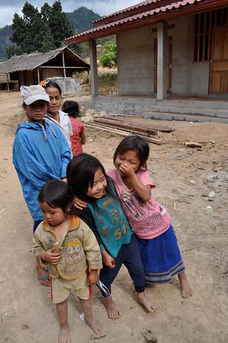 Kids at Ban Luong Kwai