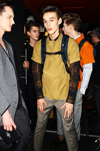 Robbie Wadge3190_FW10_Paris_Gaspard Yorkievich BS(sonnyphoto)