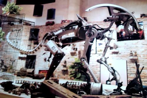 吉格's外星人,由废料制成