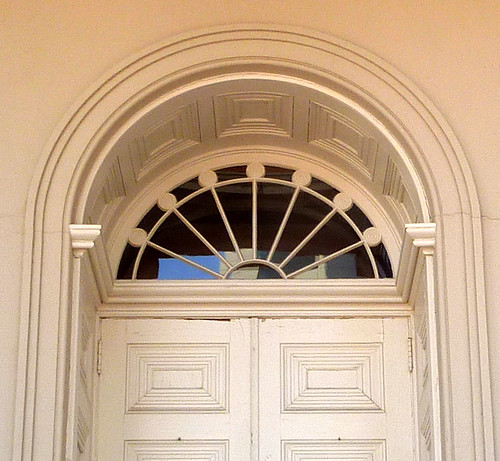 P1000568-2010-02-03-Shutze-Academy-Of-Medicine-West-Door-Fan-Coffer-Panels-Detail
