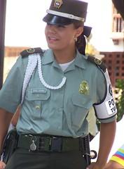 Georgeous Tourist Police woman. Linda oficial de la Polica Turstica. Plaza de Bolivar, Cartagena de Indias, Colombia. (Oscar Adolfo Durn Jara) Tags: trip travel tourism travels viajes trips turismo