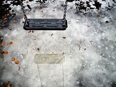 Lonesome Swing (st4rbucks) Tags: vienna wien schnee winter snow ice swing lonely eis einsam schaukel kw9 onceeins