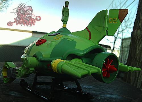 Teenage Mutant Ninja Turtles :: SHELL SUB..; pivoting rear engine, free spinning prop