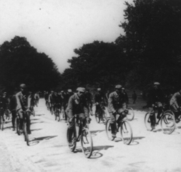 (animated stereo) Bicycle racing in the gilded age 1896 by Thiophene_Guy