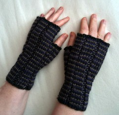 Helix fingerless mitts