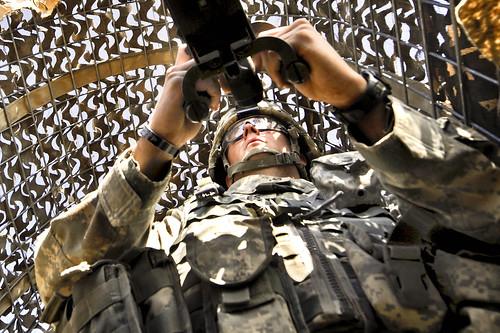 フリー画像| 戦争写真| 兵士/ソルジャー| 銃器| ブローニングM2重機関銃| アメリカ軍兵士|      フリー素材|