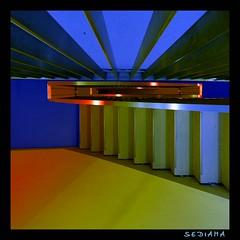 like a fan (sediama (break)) Tags: lighting blue light orange green stairs germany concrete fan pentax parkinggarage illumination staircase colourful grün blau dortmund farbig bunt bannister beton geländer fächer colorphotoaward caparol k20d sediama igp8160 betoneskommtdaraufanwasmandrausmacht beleuchtunglicht gerberarchitektendortmund ©bysediamaallrightsreserved