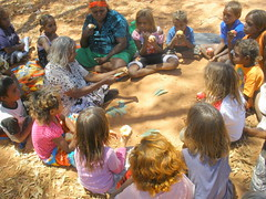Daphne tells a story (Samanti79) Tags: aboriginal indigenous northernterritory centralaustralia areyonga