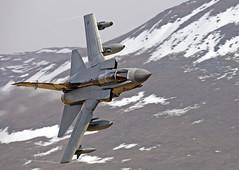 Shiny 2 with snow (35NW3) Tags: winter snow flying jet aeroplane hills tornado navigator pilot raf lowlevel gr4 raftornadogr4 raftornado shinytwo specialtail shiny2
