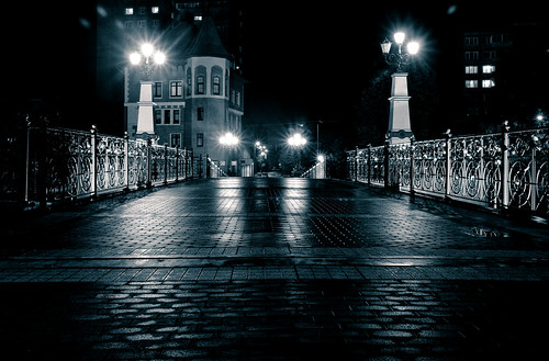 Night bridge ©  Dima Bushkov