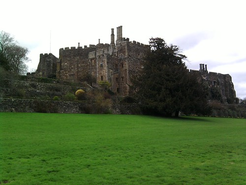 Berkeley Castle and accompanying sward