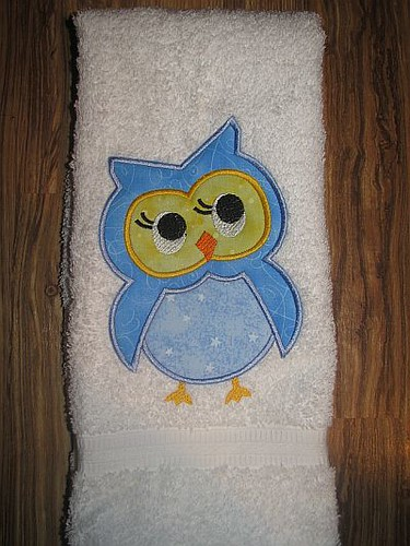 Owl embroidered towel 001