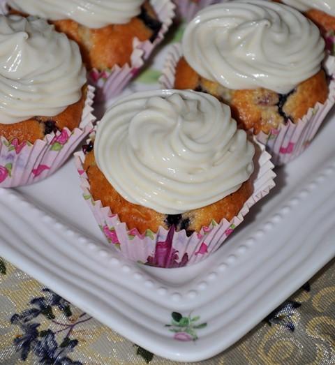 yaban mersinli / limonlu muffin