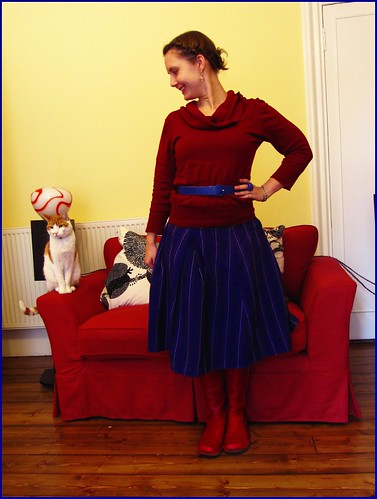 30.3.10: burgundy and blue, fashion clothes style outfit thrift thrifted blogger blog creative colour color charity shop quirky individual