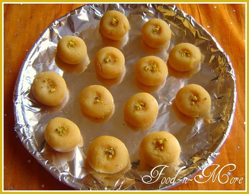 delicious kesar pedhas (delights of blogging)