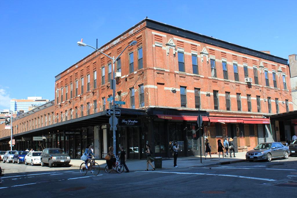 835 Washington Street