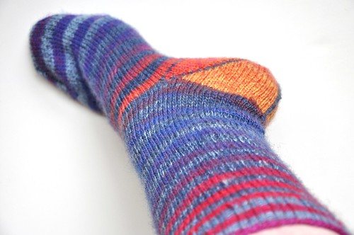Finished 1. pair of Burning stripes socks-close up of heel-3