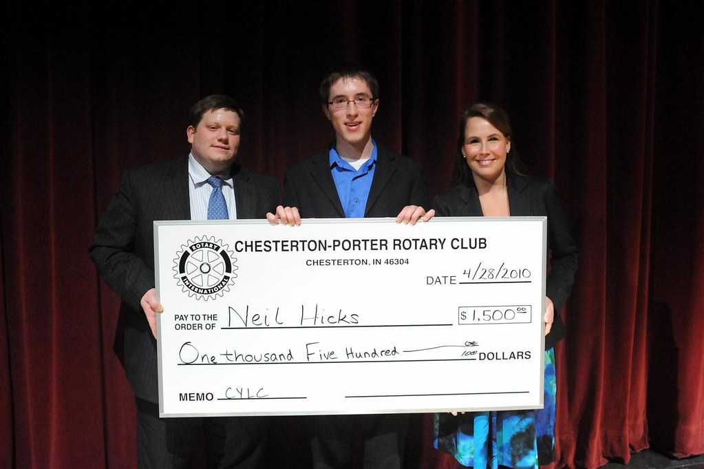 Neil Hicks, the first Carmichael Scholarship Recipient with Rotarians and Organizers, David Hiestand and Heather Klien