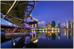 Double helix bridge - marina bay sands (fiftymm99) Tags: ir nikon singapore casino singaporeriver marinabay integratedresort hotelsingapore helixbridge fiftymm marinabaysands nikond300 doublehelixbridge fiftymm99 irsingapore marinabaysandssingapore thehelixbridge wikipediaencyclopedia secondcasino thedoublehelixbridge