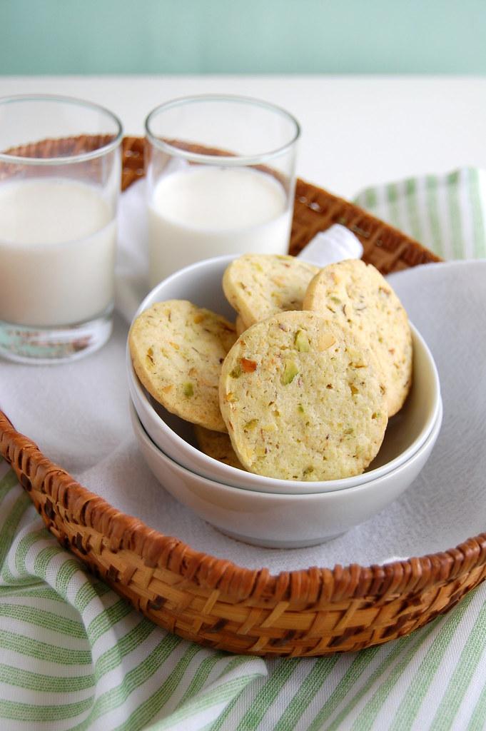 Pistachio lime cookies / Biscoitinhos de pistache e limão