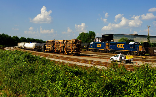 CSX in Cayce on a Sunday