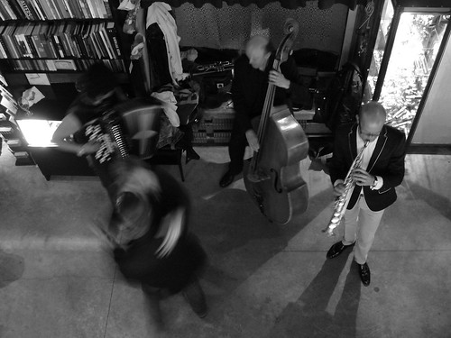 Live Music in Galerija Istaba