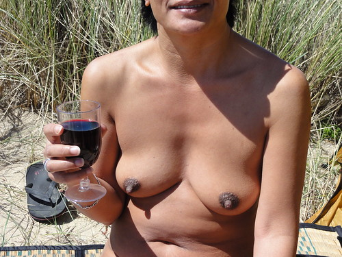nude beach bikinis babe voyeur pics: sexy, nude, nudist, nudebeach, oriental, tanned, beach, nipple