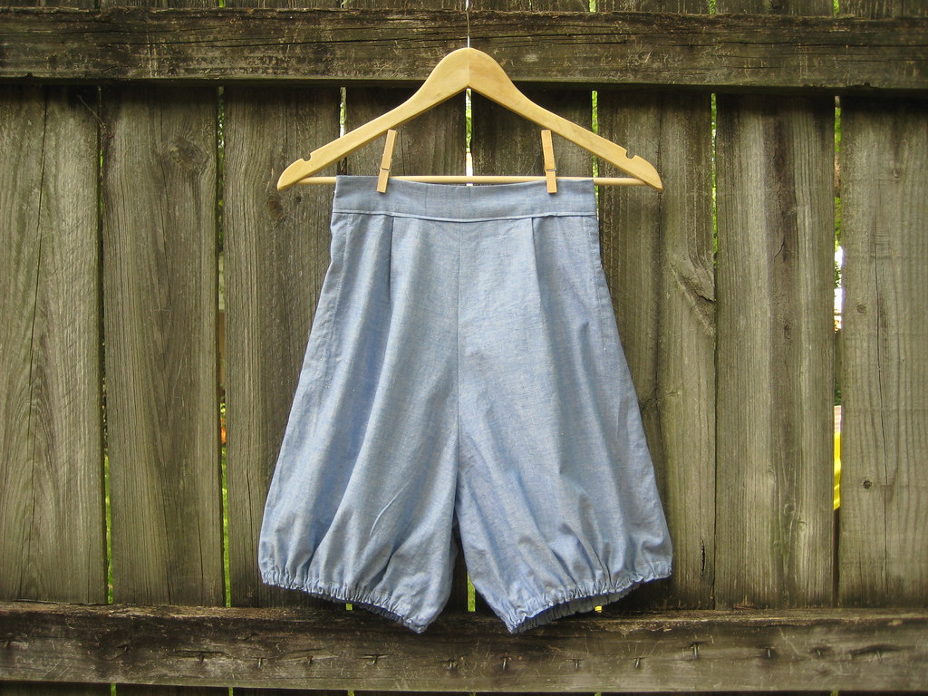 handmade chambray bloomers!