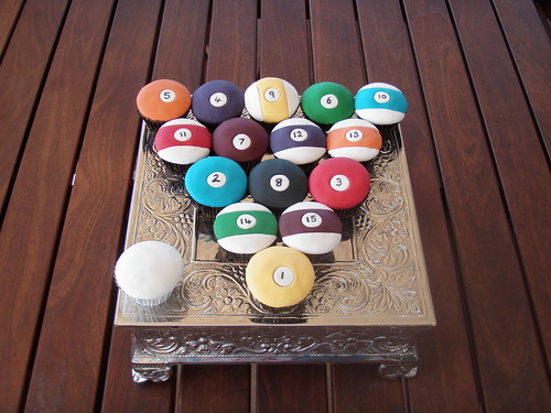 Mossys Masterpiece PoolBilliard Ball Cupcakes A Photo On - Masterpiece pool table