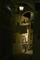 Scorcio notturno (enrix64) Tags: costa italia mare oldtown turismo murales borgo calabria archi diamante vicoli centrostorico cosenza itinerari undiamantesulmare cittdeimurales enrix enrix64