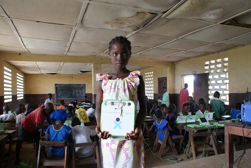 Girl_with_xo_classroom_Sierra_Leone