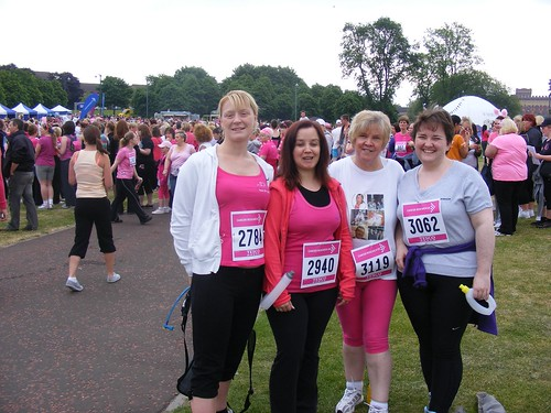 Claire, Nic, Mum and I pre race
