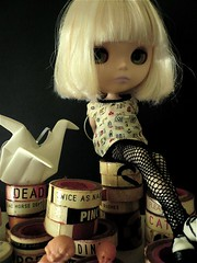 Luna (pennysixpence) Tags: paris stockings fishnet blonde blythe prima dolly platinum thefuture