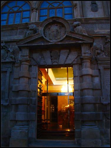 Puerta Ayuntamiento