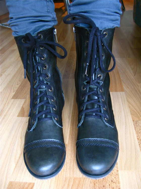 new boots 001