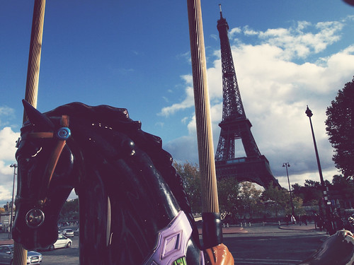 Eiffel tower and horse