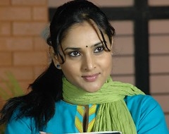 Indian Actress Ramya Hot Sexy Images Set-2 (63)
