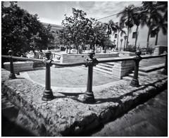 Fotografía Estenopeica (Pinhole Photography) (Black and White Fine Art) Tags: aristaedu400 pinhole4214x214 pinhole03mm niksilverefexpro2 lightroom3 camaraestenopeica estenopo pinhole pinholecamera sanjuan oldsanjuan viejosanjuan puertorico bn bw