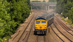 GBRf Class 59/0 no 59003 at Tupton on 06-07-2017 with the Tinsley to Bardon Hill empties. (kevaruka) Tags: tupton tuptonbridge chesterfield claycross class66 class59 59003 derbyshire england trains train britishrail networkrail railfreight railway telephototrains telephoto flickr frontpage thephotographyblog ilobsterit countryside summer 2017 july sun sunshine sunny sunnyday canon canoneos5dmk3 canon5dmk3 canonef100400f4556l 5d3 5diii 5d 5dmk3 yellow blue green colour colours color colors