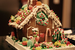 The Stansell Gingerbread House (astanse(Angela Stansell)) Tags: christmas halloween kids december with williams candy sonoma gingerbread smarties kit angela leftover 2009 jawbreakers decorated candycanes gumdrops astanse
