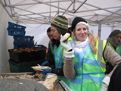 Feeding the 5000 (laurabillings) Tags: food london square bread lunch december feeding five trafalgar free waste 5000 16th 2009 thousand 5k feeding5korg