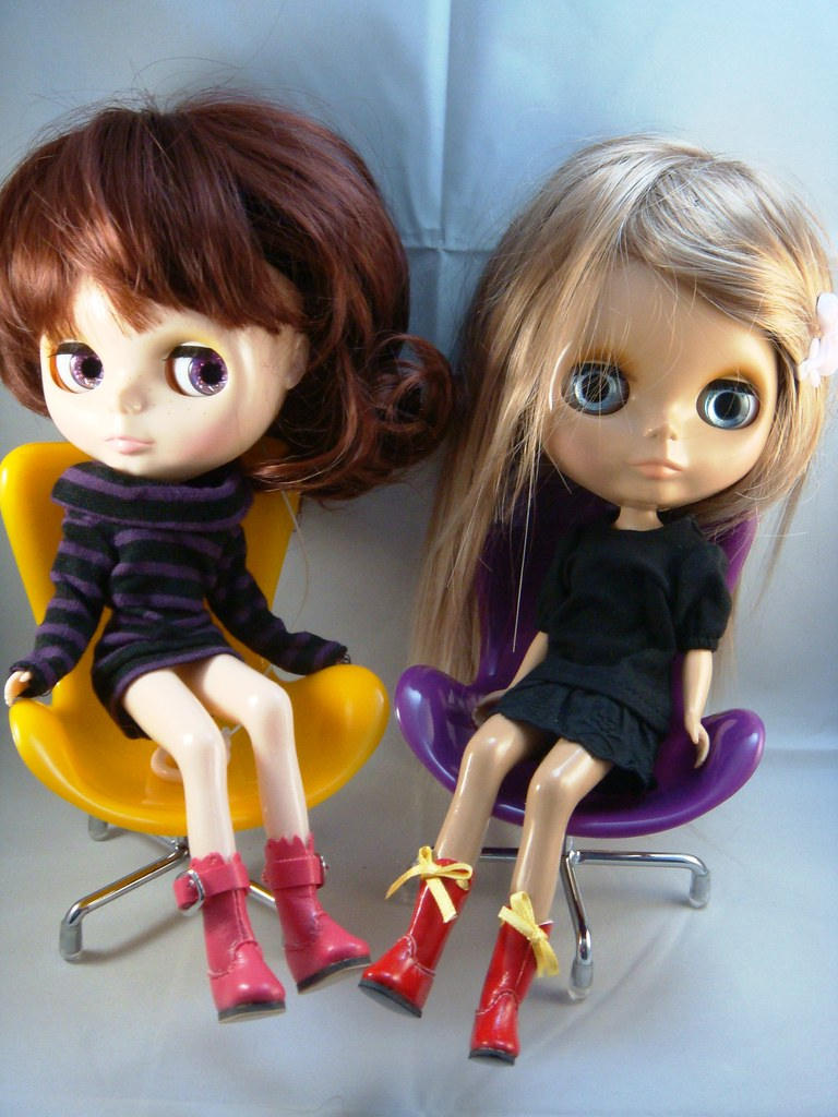 Blythe with Fashion Boots and Designer Chairs
