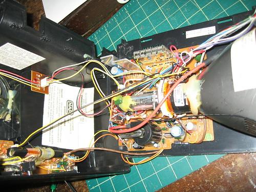 Magnavox BH3908 - Inside