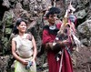 Tagin shaman with wife and baby (Linda DV) Tags: people india canon geotagged culture clothes priest tribe ethnic minority 2008 sevensisters shaman arunachal ethnology 7sisters arunachalpradesh northeastindia daporijo powershots5is minorité tagin minderheid lindadevolder
