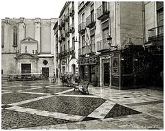 Plaa del Castell 02 virat al groc (Albert Ferr (Artbel )) Tags: espaa snow spain nieve catalonia catalunya espagne catalua spanien neu reus baixcamp espanya katalonien catalogne nige plaadelcastell